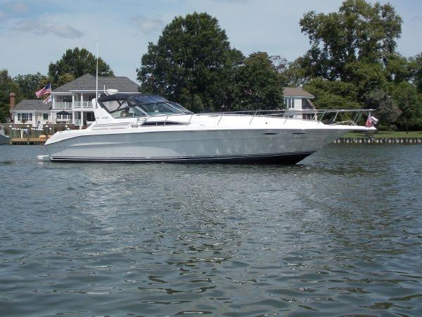 Sea Ray 400 Express Cruiser - Starboard Profile