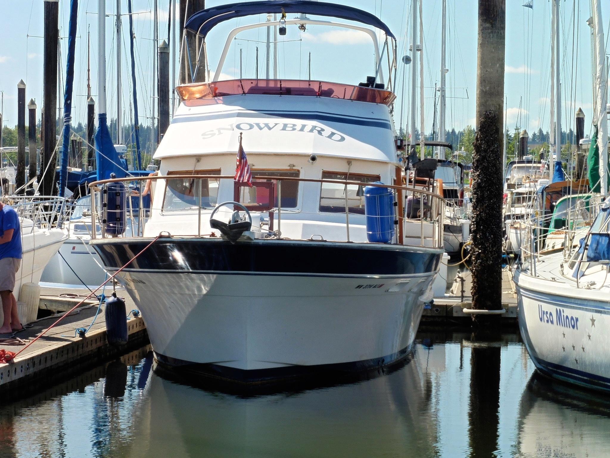 Kha Shing aft-cabin motor yacht
