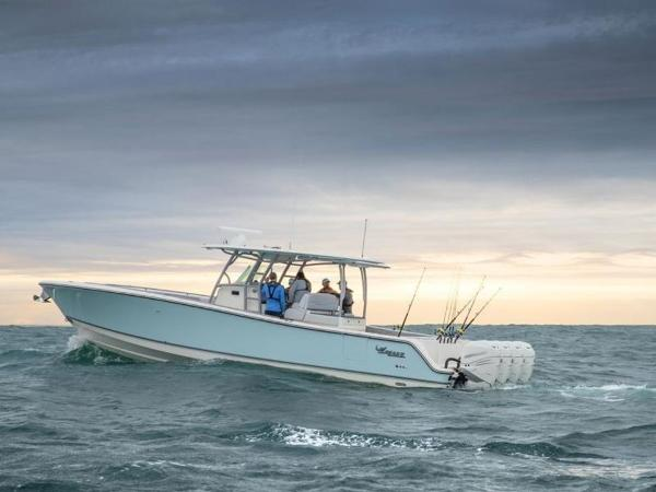 2020 Mako boat for sale, model of the boat is 414 CC Family Edition & Image # 1 of 72