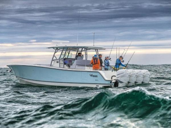 2020 Mako boat for sale, model of the boat is 414 CC Family Edition & Image # 4 of 72