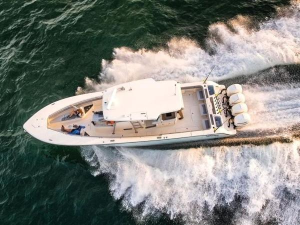 2020 Mako boat for sale, model of the boat is 414 CC Family Edition & Image # 6 of 72