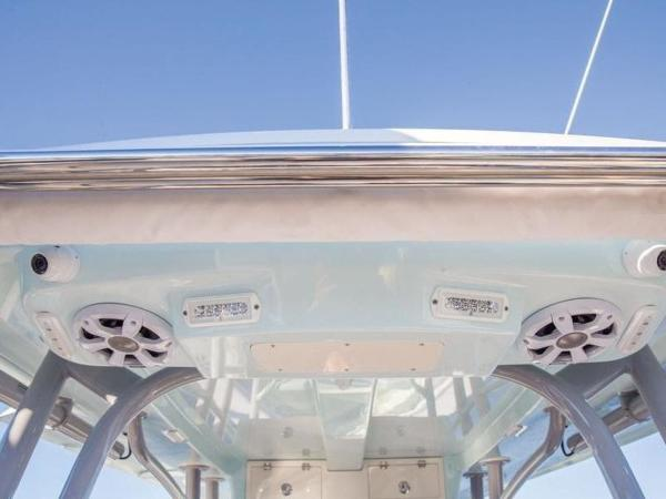 2020 Mako boat for sale, model of the boat is 414 CC Family Edition & Image # 8 of 72