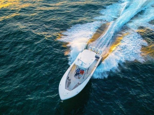 2020 Mako boat for sale, model of the boat is 414 CC Family Edition & Image # 11 of 72