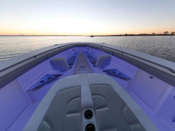 2020 Mako boat for sale, model of the boat is 414 CC Family Edition & Image # 13 of 72