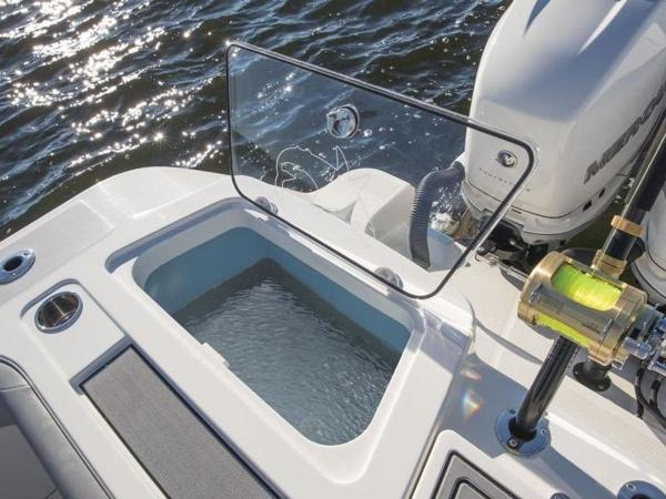 2020 Mako boat for sale, model of the boat is 414 CC Family Edition & Image # 22 of 72