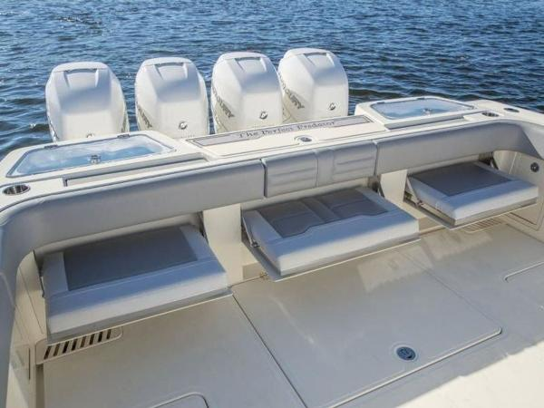 2020 Mako boat for sale, model of the boat is 414 CC Family Edition & Image # 31 of 72
