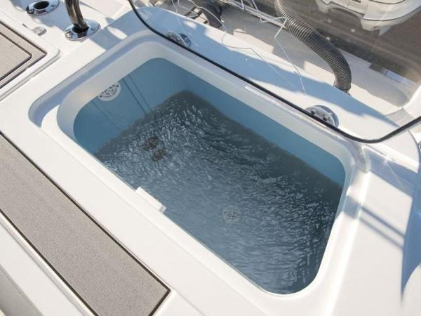 2020 Mako boat for sale, model of the boat is 414 CC Family Edition & Image # 52 of 72