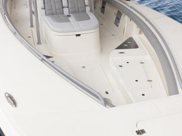 2020 Mako boat for sale, model of the boat is 414 CC Family Edition & Image # 69 of 72