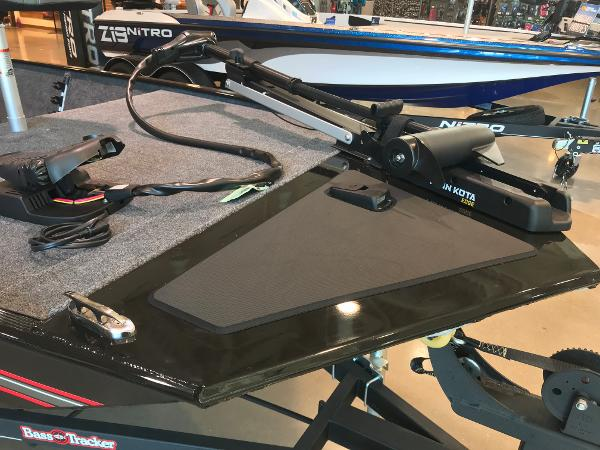 2021 Tracker Boats boat for sale, model of the boat is Bass Tracker Classic XL & Image # 8 of 31