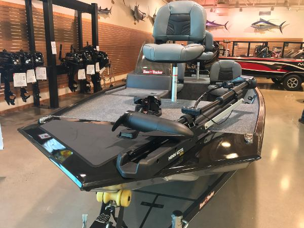 2021 Tracker Boats boat for sale, model of the boat is Bass Tracker Classic XL & Image # 12 of 31