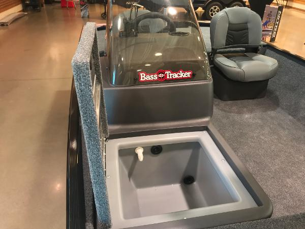 2021 Tracker Boats boat for sale, model of the boat is Bass Tracker Classic XL & Image # 16 of 31