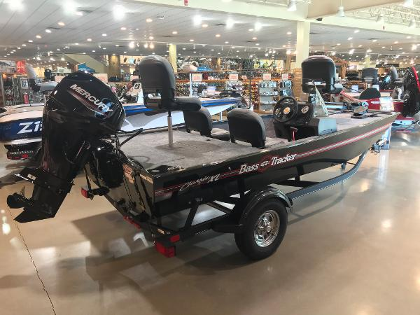 2021 Tracker Boats boat for sale, model of the boat is Bass Tracker Classic XL & Image # 22 of 31