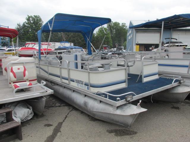 Manitou 20 foot pontoon boat