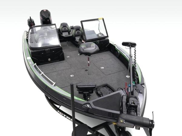 2020 Nitro boat for sale, model of the boat is ZV20 Pro & Image # 7 of 47