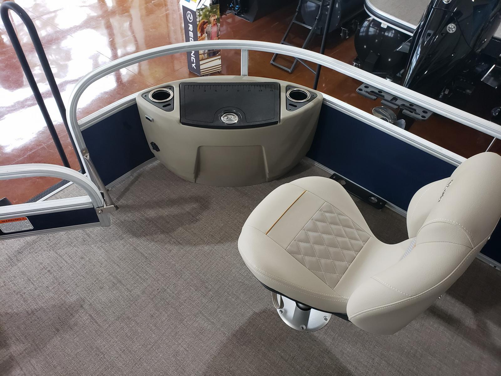 2019 Ranger Boats boat for sale, model of the boat is REATA 223F w/ Mercury 150L 4S & Image # 6 of 46