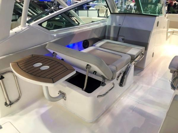 2020 Boston Whaler boat for sale, model of the boat is 280 Vantage & Image # 6 of 10