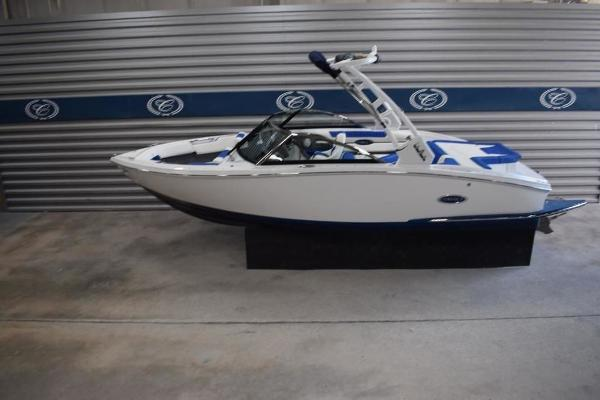 2020 Cobalt boat for sale, model of the boat is CS22 & Image # 1 of 11