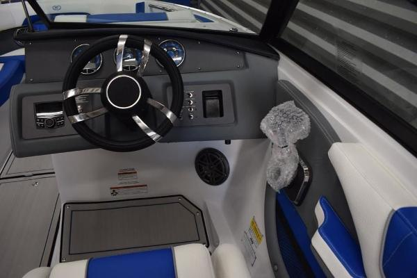 2020 Cobalt boat for sale, model of the boat is CS22 & Image # 3 of 11