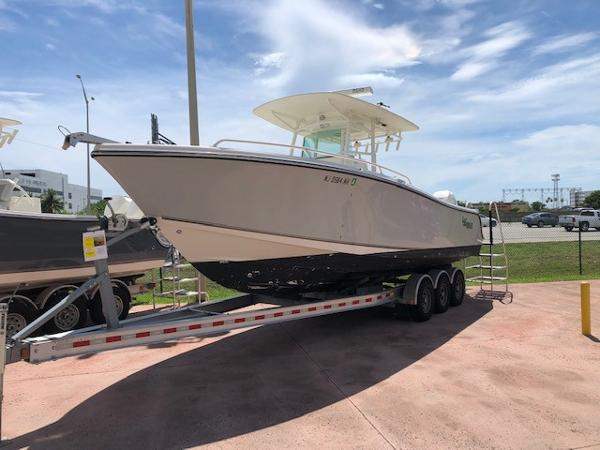 2015 Mako boat for sale, model of the boat is 284 CC & Image # 7 of 17