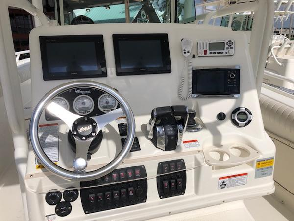 2015 Mako boat for sale, model of the boat is 284 CC & Image # 12 of 17