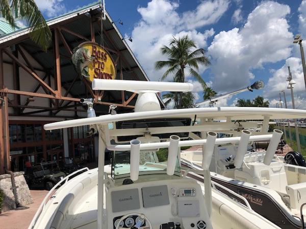 2015 Mako boat for sale, model of the boat is 284 CC & Image # 13 of 17