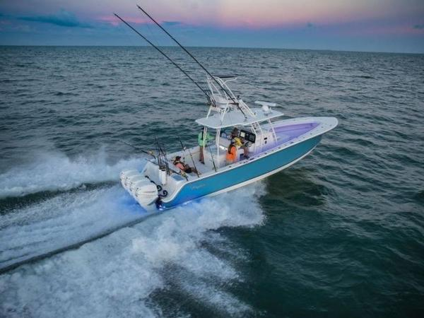 2020 Mako boat for sale, model of the boat is 414 CC Sportfish Edition & Image # 4 of 42