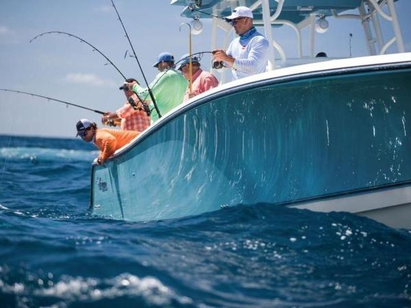 2020 Mako boat for sale, model of the boat is 414 CC Sportfish Edition & Image # 16 of 42