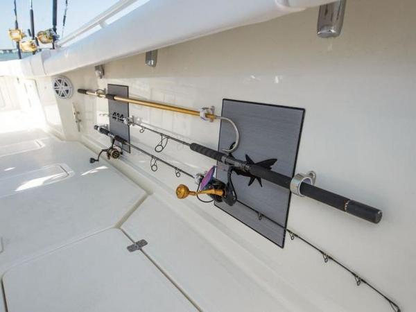 2020 Mako boat for sale, model of the boat is 414 CC Sportfish Edition & Image # 25 of 42