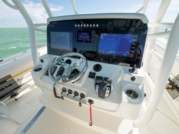 2020 Mako boat for sale, model of the boat is 414 CC Sportfish Edition & Image # 36 of 42