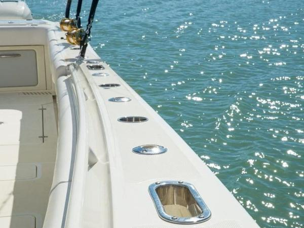 2020 Mako boat for sale, model of the boat is 414 CC Sportfish Edition & Image # 38 of 42
