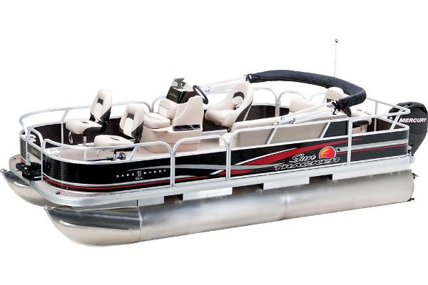 2013 Sun Tracker boat for sale, model of the boat is Bass Buggy 18 DLX & Image # 4 of 35