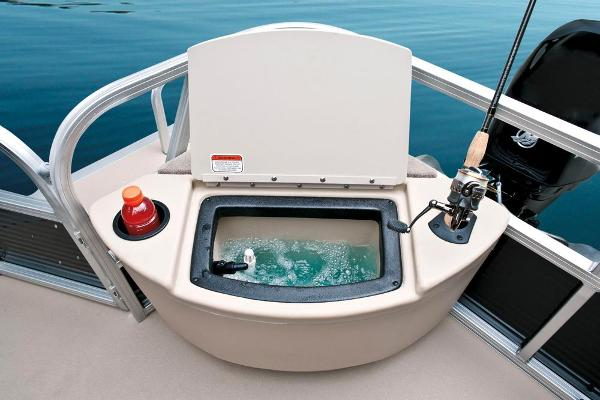 2013 Sun Tracker boat for sale, model of the boat is Bass Buggy 18 DLX & Image # 11 of 35