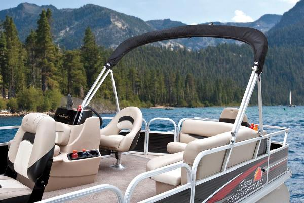 2013 Sun Tracker boat for sale, model of the boat is Bass Buggy 18 DLX & Image # 25 of 35