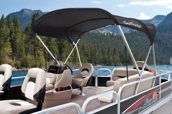 2013 Sun Tracker boat for sale, model of the boat is Bass Buggy 18 DLX & Image # 31 of 35