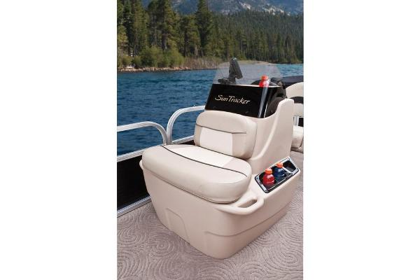 2013 Sun Tracker boat for sale, model of the boat is Bass Buggy 18 DLX & Image # 35 of 35