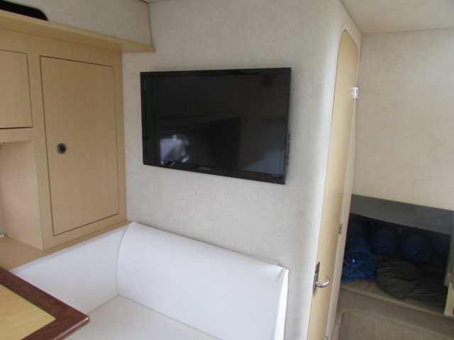 2013 Sea Ray boat for sale, model of the boat is 310 Sudancer & Image # 13 of 30