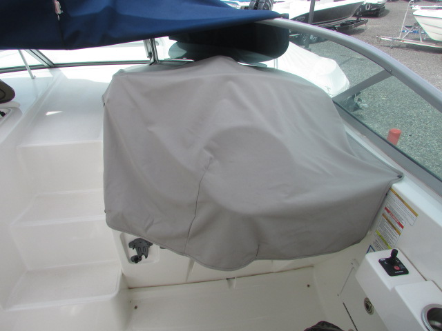 2013 Sea Ray boat for sale, model of the boat is 310 Sudancer & Image # 3 of 30