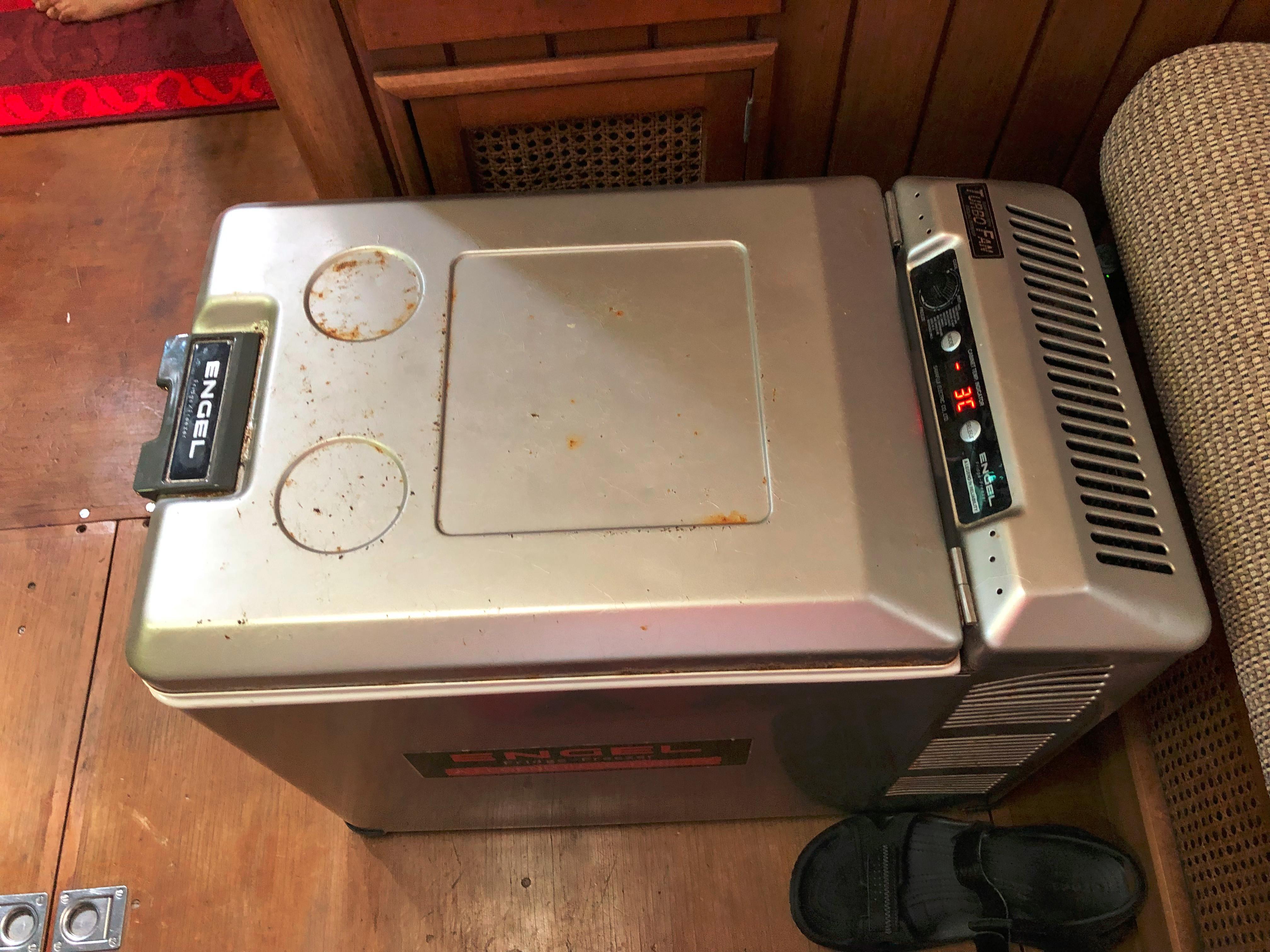 Portable 12v Cooler Box
