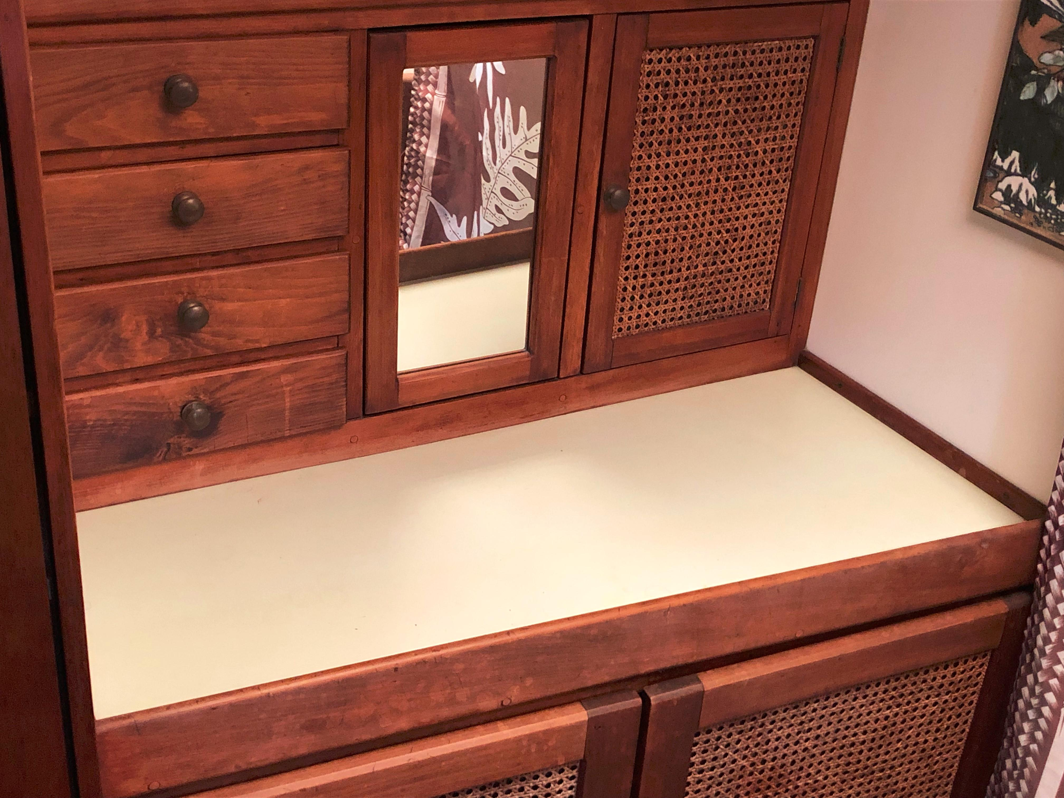 Master dressing table