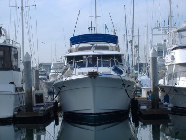 45' Bayliner 4550 Pilothouse Motor Yacht