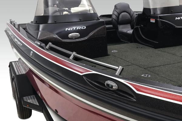 2020 Nitro boat for sale, model of the boat is ZV19 Sport & Image # 10 of 38