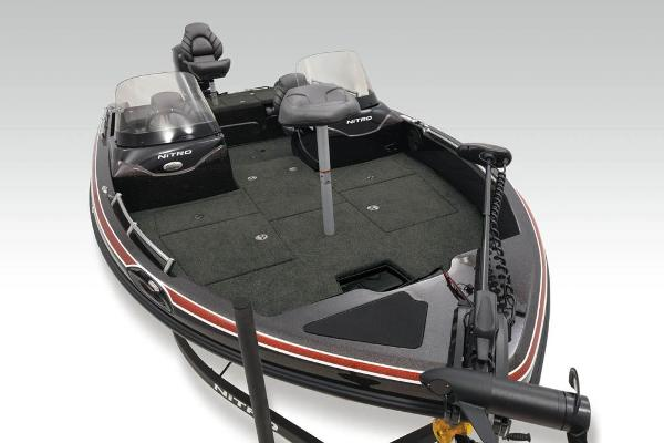 2020 Nitro boat for sale, model of the boat is ZV19 Sport & Image # 5 of 38