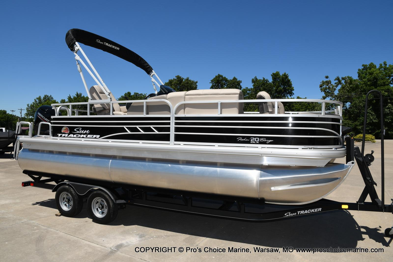 2021 Sun Tracker boat for sale, model of the boat is Fishin' Barge 20 DLX & Image # 36 of 50