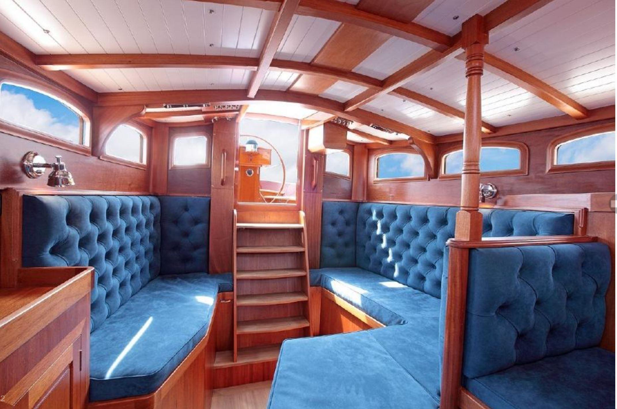 50' Spirit Yachts Deckhouse 2011 | Seacoast Yachts