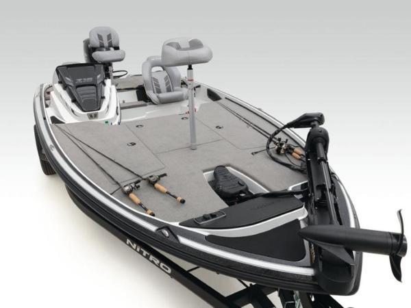2020 Nitro boat for sale, model of the boat is Z18 & Image # 17 of 38