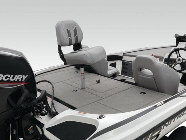 2020 Nitro boat for sale, model of the boat is Z18 Pro & Image # 18 of 39