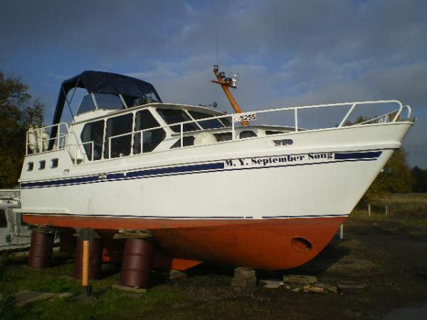 Vanderhoeven 10 meter aft cabin. 44950 GBP(incl VAT)