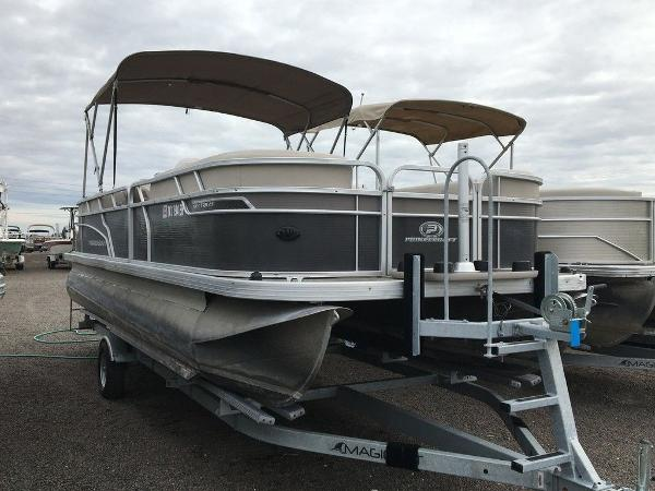 2018 Princecraft boat for sale, model of the boat is Vectra 23 & Image # 1 of 8