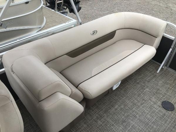 2018 Princecraft boat for sale, model of the boat is Vectra 23 & Image # 4 of 8