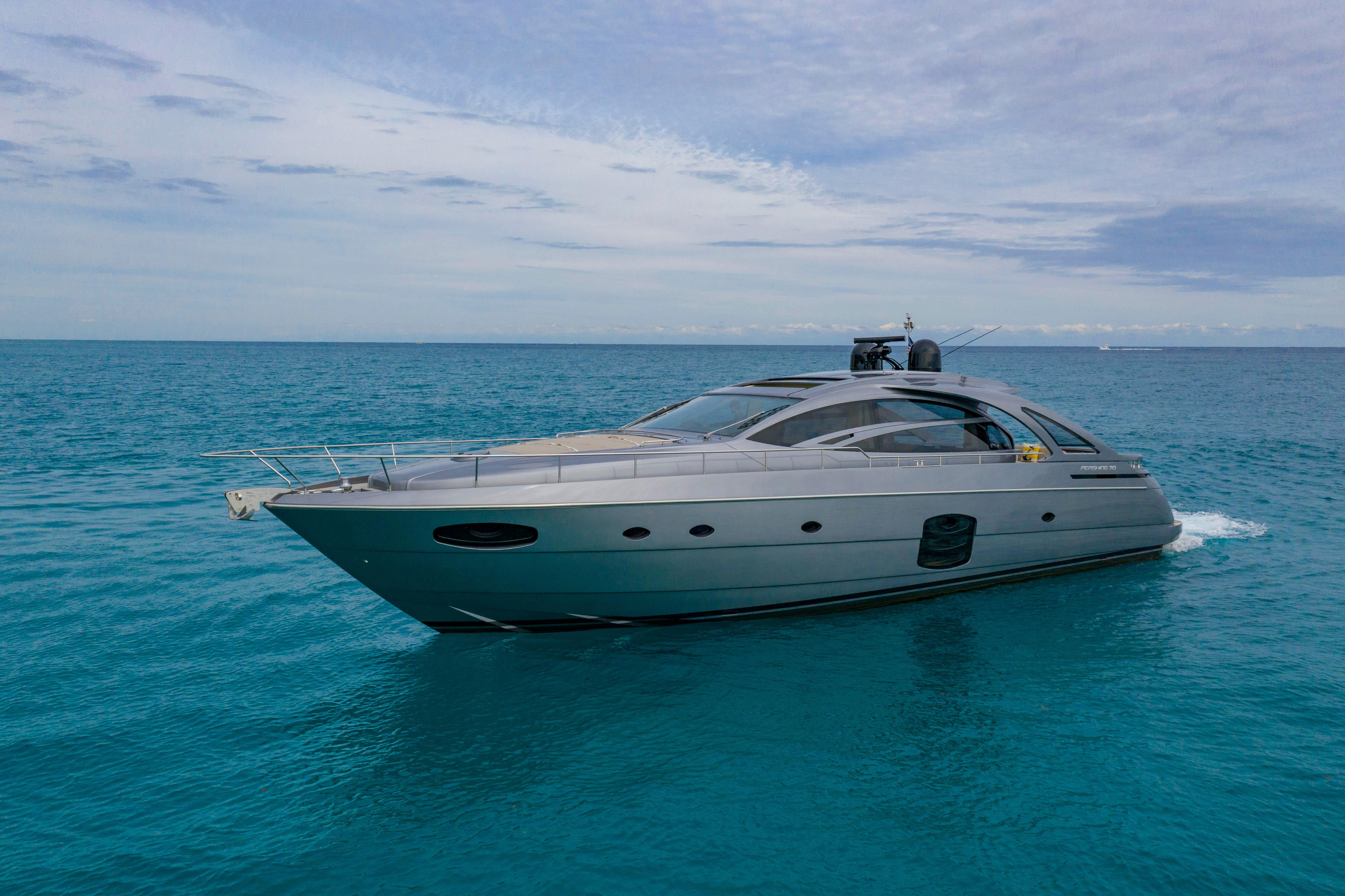 2016 Pershing 70 - Profile